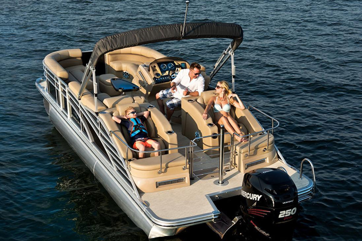 A pontoon boat is one of the best boats to rent for people who'd rather take things at a slower pace.